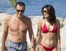 Triệu phú U70 hạnh phúc bên vợ sexy kém 31 tuổi