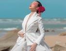 """Siêu mẫu Dương Yến Ngọc tái xuất với hình ảnh """"miêu nữ"""" giữa biển"""