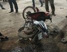Cướp túi xách không thành, hai tên cướp còn bị xe máy tông