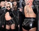 Lady Gaga mặc sốc trên thảm đỏ lễ trao giải Grammy