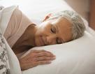 Tại sao người cao tuổi ngủ kém hơn?