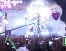 Khoảnh khắc biển người chào đón năm mới vô cùng sôi động ở Hà Nội