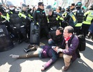 Hai người chết trong biểu tình phản đối phế truất Tổng thống Hàn Quốc