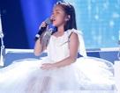 Cô bé khiếm thị gây tranh cãi khi hát ca khúc tiếng Anh