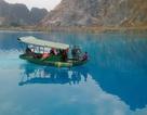 Dân đổ xô đi xem hồ nước chuyển màu xanh kỳ lạ ở Hải Phòng