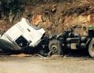 Xe đầu kéo gặp nạn khi lao dốc, tài xế tử vong trong cabin