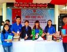 Sinh viên làm hội chợ 26/3 nhằm giúp đỡ huyện vùng cao