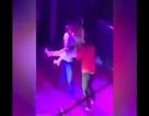 Vợ lao vào CLB thoát y, đánh chồng đang bế vũ nữ tơi bời