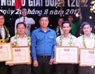 Tuyên dương đội viên tiêu biểu Dự án 600 Phó Chủ tịch UBND xã