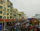 Khách du lịch Trung Quốc đổ xô qua cửa khẩu Móng Cái