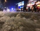 """Người Sài Gòn lại khốn đốn với điệp khúc """"mưa lớn - ngập nặng - lội bì bõm"""""""