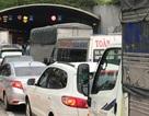Xe tải gặp sự cố, hầm vượt sông Sài Gòn ùn ứ nghiêm trọng