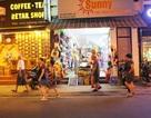 """Khách Trung Quốc nhộn nhịp ở """"phố Tây"""" Nha Trang"""