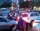 Ùn tắc giao thông nghiêm trọng vì… mở rộng đường?