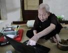 """Gặp cụ bà 97 tuổi """"siêu"""" công nghệ """"gây sốt"""" trên báo Tây"""