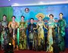 NTK Nhật Dũng, diễn viên Việt Trinh được Bảo tàng Phụ nữ Nam Bộ tặng huy hiệu