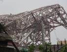 """Tháp truyền hình cao 100m đổ gục """"như bún"""" trong bão số 10"""
