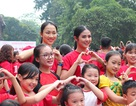 """Hoa hậu Ngọc Hân cùng các bạn trẻ nhảy flashmob """"vì sự tử tế"""""""