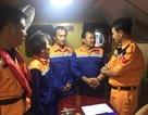 Cứu tàu cá cùng 3 ngư dân gặp nạn trên đường chạy bão