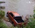 Phát hiện thi thể gần chiếc xe ô tô dưới dòng suối