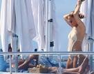 """Jennifer Lopez nóng bỏng bên """"bồ"""" trẻ"""