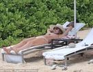 Jessica Alba thư thái trong kỳ nghỉ tại Hawaii