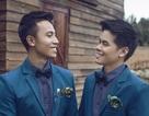 John Huy và bạn trai dọn về sống chung sau 10 năm hẹn hò