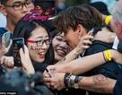"""Fans """"bao vây"""" Johnny Depp tại Thượng Hải"""