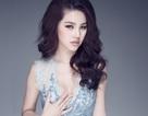 Hoa hậu Thế giới người Việt lấp ló khoe vòng 1 quyến rũ