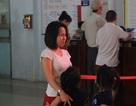 Trễ chuyến tàu tết vì kẹt xe, hành khách bật khóc giữa sân ga