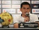 HLV Kiatisuk gia hạn hợp đồng một năm với đội tuyển Thái Lan