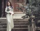 Nữ thạc sĩ 9X xinh đẹp trong tà áo dài đi lễ chùa đầu năm
