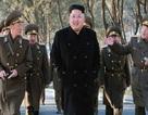 Lãnh đạo Triều Tiên thị sát diễn tập xe tăng bộ binh
