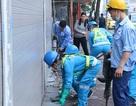 """Hà Nội: Phá hàng loạt thềm nhà """"đòi lại"""" vỉa hè"""