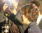 """Thẩm phán Hàn Quốc gây """"sốt"""" vì đeo lô uốn tóc tới tòa"""
