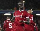 """""""Vùi dập"""" đối thủ 7-0, Liverpool xuất sắc giành ngôi đầu bảng"""
