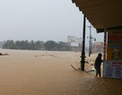 Mưa lớn kéo dài, nước dâng cao, lo lũ chồng lũ ở Huế