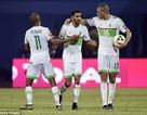 Riyad Mahrez tỏa sáng rực rỡ, Algeria thoát thua ngoạn mục