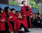 Nhìn lại loạt ảnh ngày nhận bằng tại Đại học Harvard của CEO Facebook