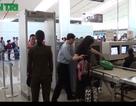 Ca sĩ Uyên Linh mất túi đồ trị giá 100 triệu ở sân bay Tân Sơn Nhất