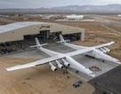 Cận cảnh chiếc máy bay lớn nhất thế giới do nhà đồng sáng lập Microsoft xây dựng