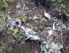 Máy bay trinh sát Nhật Bản vỡ vụn tại hiện trường