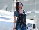 """""""Biểu tượng gợi cảm"""" Megan Fox làm mẹ đảm xuống phố"""