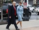 Phu nhân ông Trump diện váy ấn tượng trong ngày nhậm chức của chồng