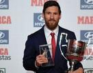 Vượt qua C.Ronaldo, Messi nhận cú đúp danh hiệu ở La Liga