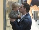 Michael Bublé trở lại với âm nhạc khi con trai khỏi bệnh ung thư
