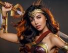 """Hết làm """"bản sao"""" Angelina Jolie, Minh Tú lại hoá thân thành Wonder Woman"""