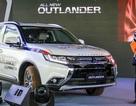 """Thị trường ôtô """"hoảng loạn"""": Mitsubishi giảm ngay 230 triệu đồng cho Outlander"""