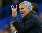 """MU """"chậm trễ"""" mua cầu thủ, HLV Mourinho """"bực mình"""""""
