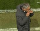"""HLV Mourinho sử dụng """"bùa may mắn"""" để giúp MU chiến thắng?"""